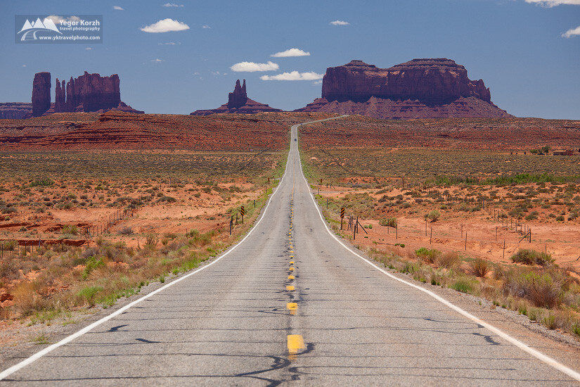 Road to Monument Valley, Arizona, USA